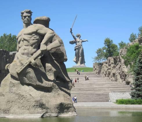 Памятники вов в волгоградской области памятники элисты с фото и адресами