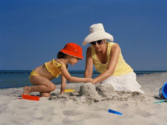 Выбираем, где отдохнуть с ребенком на море в России или за границей